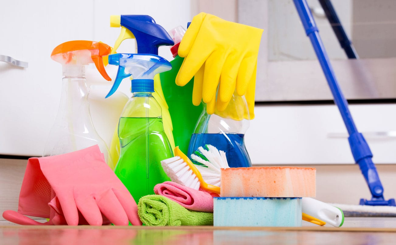 Household-cleaning-supplies